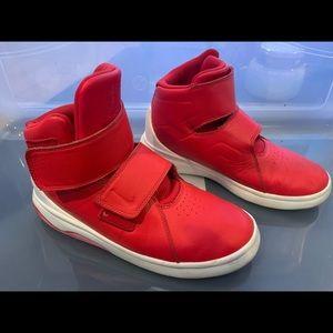 Boys Nike Shoes Velcro  strap Hightops Size 6